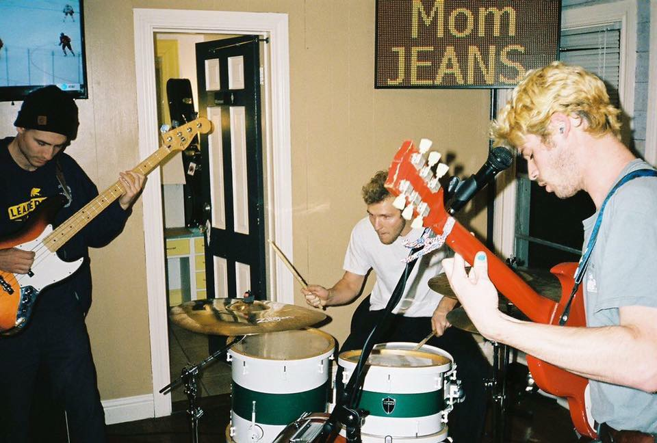 mom jeans and graduating life announce summer tour the alternative